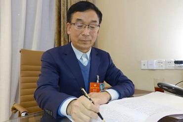 河北省政协委员、康姿百德董事长李银祥两会期间接受多家媒体专访